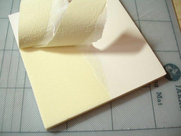 superficies con foamboard Peeling-paper-layer