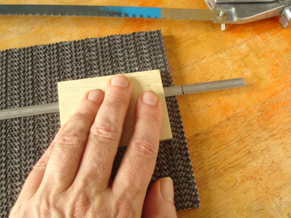using gripping block with additional 'finger plate'