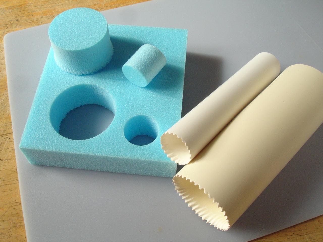 hole-cutting tools for rigid foam