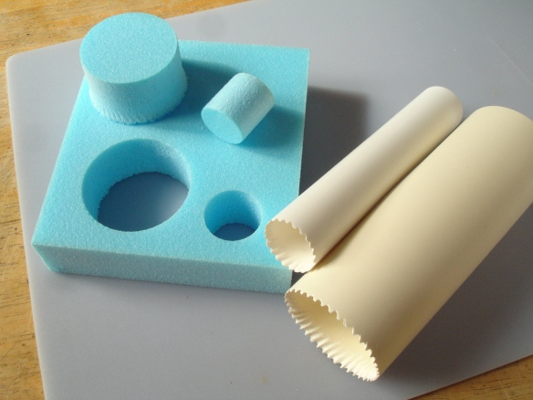 hole-cutting tools for rigid foam