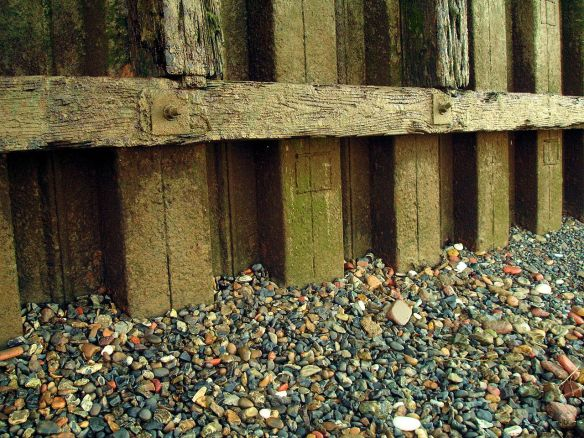 David Neat, Thames Foreshore, shingle at Morden Wharf