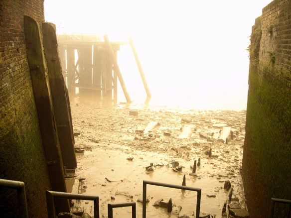 Fog and mud, Thames Foreshore, Deptford