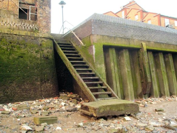 Horn stairs (Cuckold's Point), Thames Foreshore