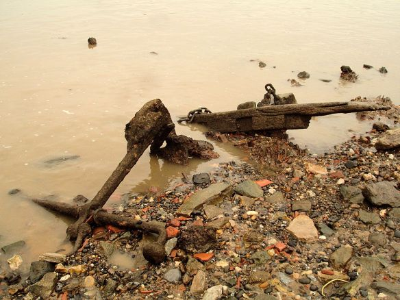 David Neat, Thames Foreshore, old anchor Greenwich 2016